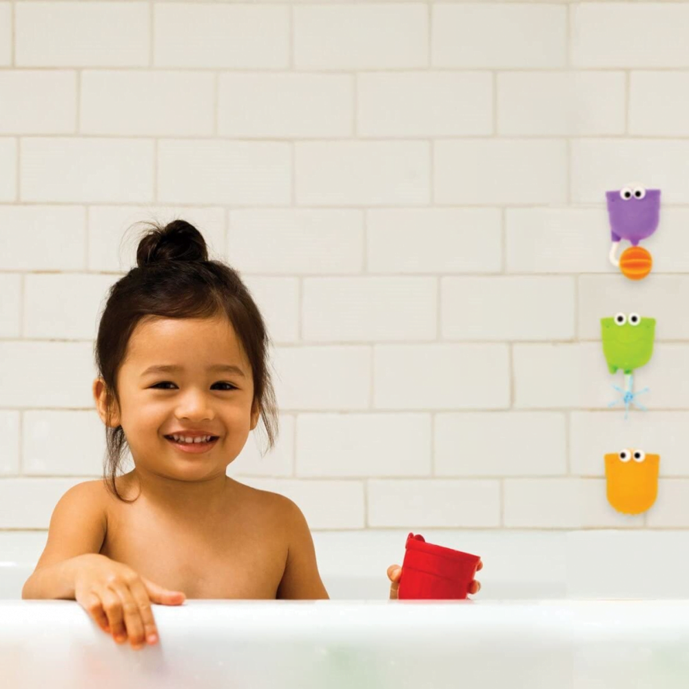 Munchkin Falls Bath Toy with Suction Cups, Multi-Coloured lifestyle