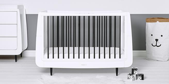 SnuzKot Skandi Cot Bed – Mono